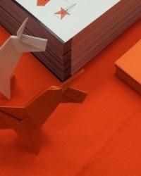 How to Make a Paper Ubuntu 14.10 Utopic Unicorn