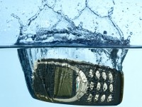 What to Do When Your Cell Phone Drops in Water